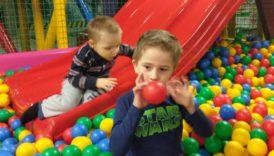 """Czytaj więcej o: Przedszkolaki z wizytą w sali zabaw """"Play City"""" w Legnicy"""
