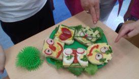 """Czytaj więcej o: Zajęcia kulinarne w ramach programów """"Trzymaj formę """" i """"Mleko, warzywa i owoce w szkole"""""""