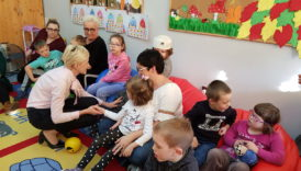 Czytaj więcej o: Wizyta Starosty Powiatu Jaworskiego Pani Anety Kucharzyk w przedszkolu.