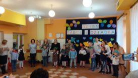 Czytaj więcej o: Obchody Dnia Babci i Dziadka w przedszkolu.